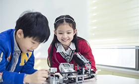 有学18luck新利app机器人的吗?机器人教育对孩子好吗?