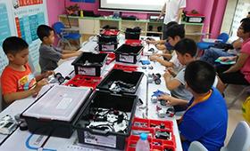 北京机器人教育哪家好(哪个好),编程机器人教育品牌哪个更好呢?